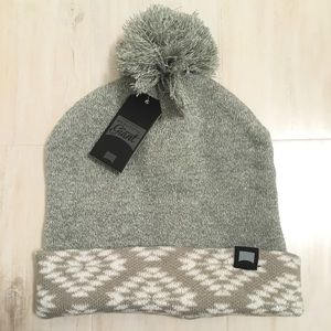 Beautiful Giant Gray Beanie / Outdoors OS NWT